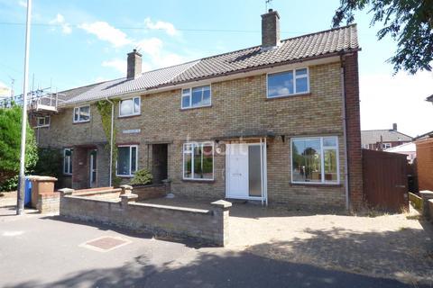3 bedroom semi-detached house for sale - Rider Haggard Road, NR7