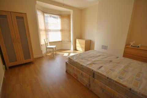 4 bedroom terraced house to rent - Barclay Street, West End, Leicester LE3