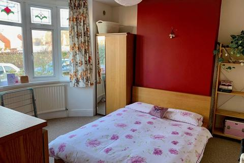 4 bedroom property to rent - College Road, Bristol