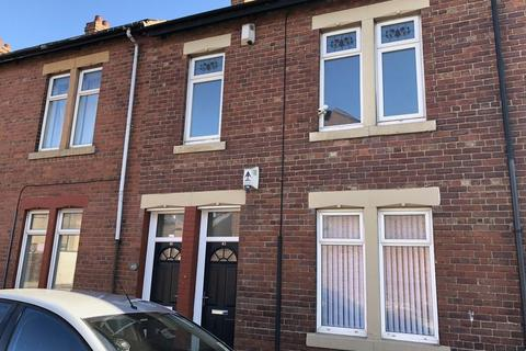3 bedroom apartment to rent - *AVAILABLE MARCH 2020 *  NORHAM ROAD