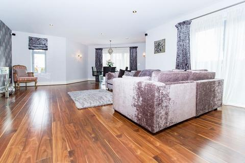 2 bedroom apartment to rent - Manor Hall, Manor Road, Chigwell