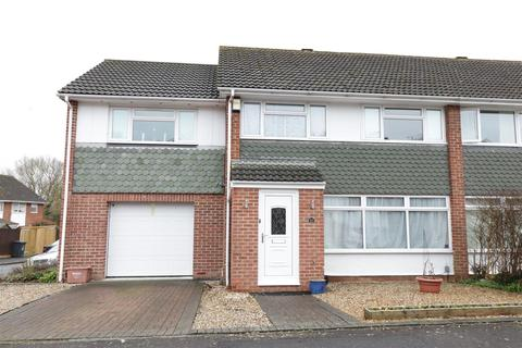 4 bedroom semi-detached house for sale - Shepley Drive, Reading