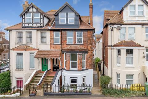 4 bedroom semi-detached house for sale - East Cliff Gardens, Folkestone, CT19