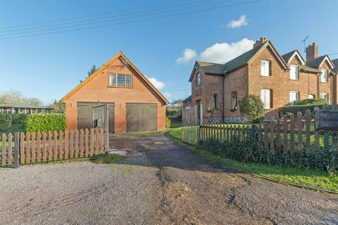 3 bedroom semi-detached house for sale - Broad Oak Road, Milstead, Sittingbourne