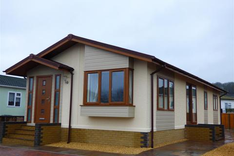 2 bedroom detached bungalow for sale - Severn Bridge Park Homes, Beachley, Chepstow