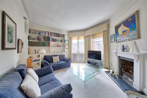 2 bedroom flat for sale - Lurline Gardens