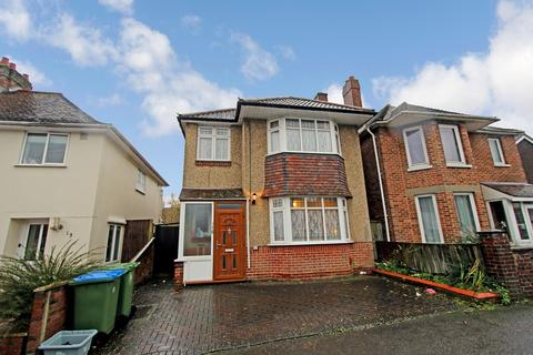 3 bedroom detached house for sale - Treeside Road, Southampton, SO15