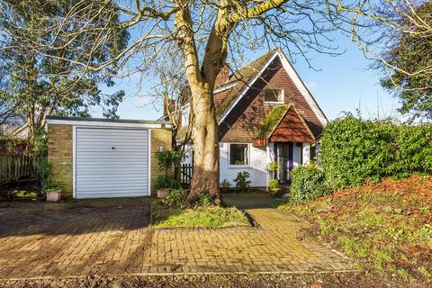 3 bedroom semi-detached house for sale - Crossways, Tatsfield, Westerham TN16