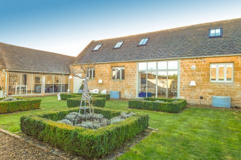 4 bedroom barn conversion for sale - Didbrook Fields, Toddington