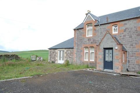 3 bedroom farm house to rent - Carmichael ML12
