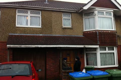 8 bedroom property to rent - Kitchener Road, Highfield, Southampton, SO17