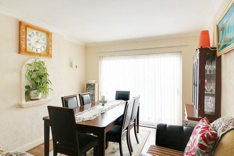 3 bedroom detached house for sale - The Crescent, Woodthorpe, NG5