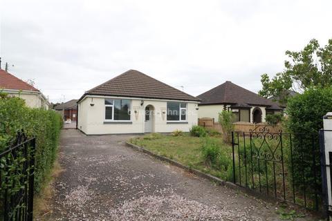 2 bedroom bungalow to rent - Park Lane, Knypersley