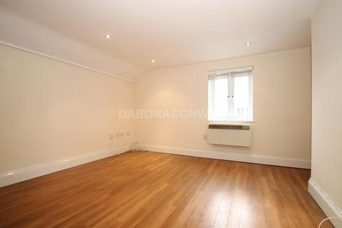 2 bedroom apartment to rent - Station Passage, South Woodford E18