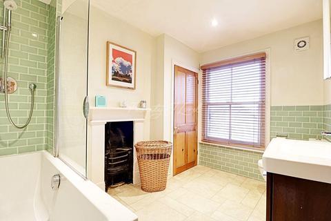3 bedroom end of terrace house for sale - Lizban Street, Blackheath, SE3