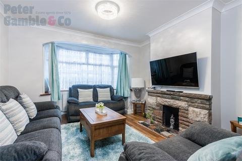 3 bedroom semi-detached house for sale - Teignmouth Gardens, Perivale, Greenford, Greater London