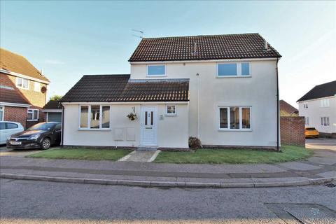 3 bedroom detached house for sale - Grayling Drive, Colchester