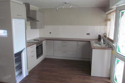 2 bedroom apartment to rent - Two bedroomed first floor flat.  Open Plan Kitchen/Lounge/Diner, Bathroom, Electric Heating.