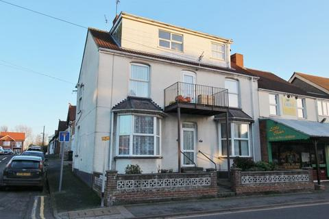 7 bedroom block of apartments for sale - 2 Spacious Apartments, Drummond Road, Skegness