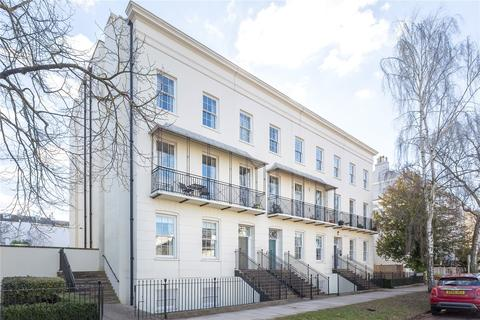 2 bedroom flat for sale - St. Martins Terrace, Clarence Square, Cheltenham, Gloucestershire, GL50