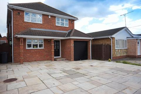 4 bedroom detached house for sale - Beach Road, Canvey Island