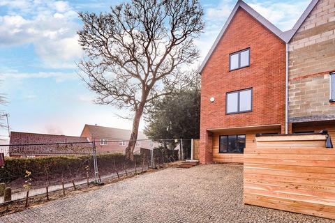 4 bedroom semi-detached house for sale - 1 The Mews, Barons Hall Lane, Fakenham