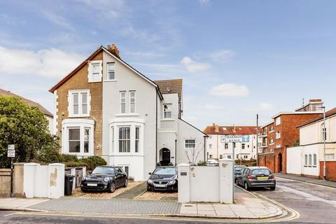 2 bedroom apartment for sale - Marmion Road, Southsea
