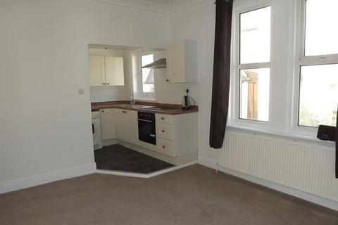 2 bedroom flat to rent - Elphinstone Road, Southsea