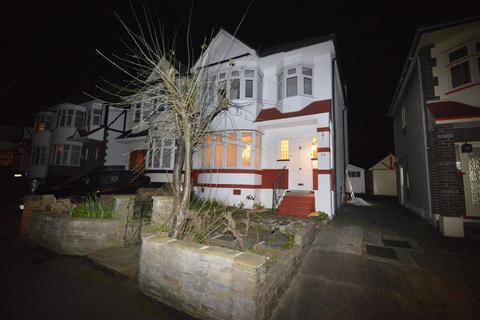 3 bedroom semi-detached house to rent - Rivington Avenue, Woodford Green