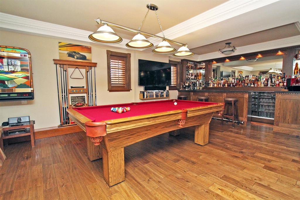 Family/Games Room/Bar