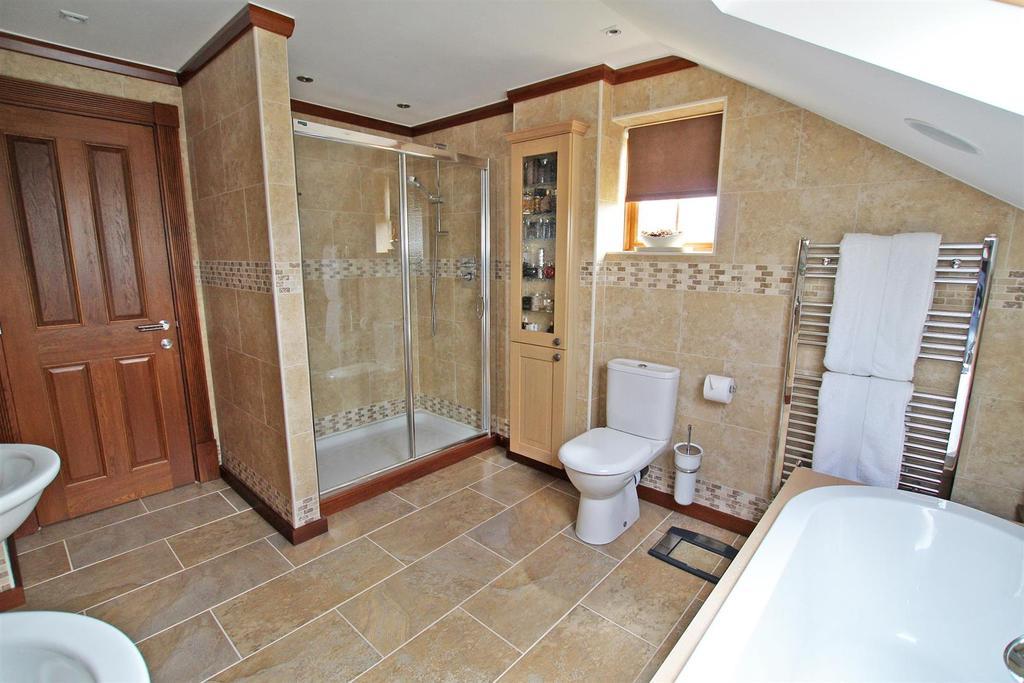 En suite (Bedroom One)