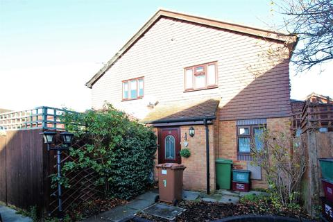 1 bedroom semi-detached house for sale - Cheswick Close, Dartford