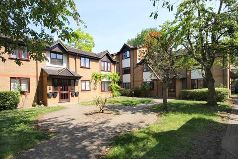 1 bedroom apartment to rent - Manor House, TW8
