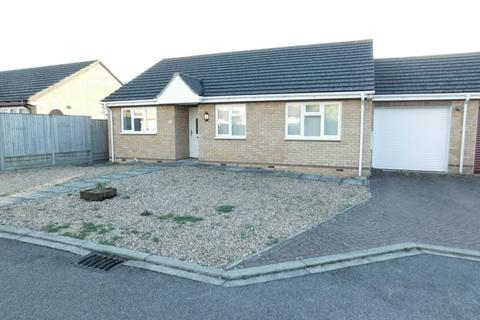 3 bedroom semi-detached bungalow for sale - Netherstones, Stotfold, Hitchin, Herts SG5 4BS