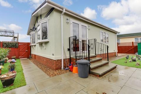 1 bedroom mobile home for sale - Sea views, East Beach Park , Shoeburyness