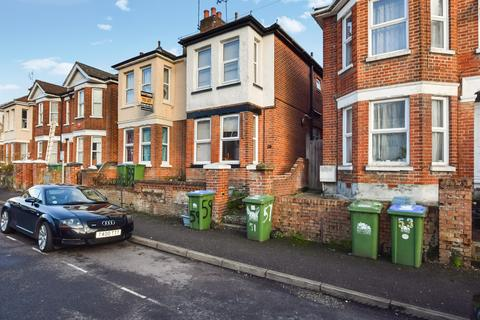 4 bedroom semi-detached house to rent - Burlington Road, Southampton, SO15 2FR