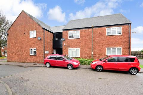 2 bedroom flat for sale - Rowley Mead, Thornwood, Epping, Essex