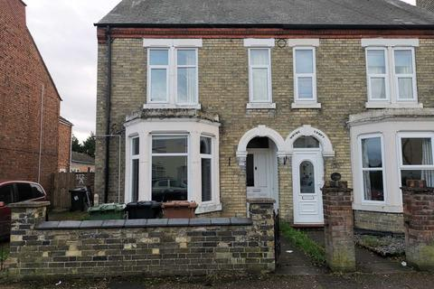 3 bedroom semi-detached house to rent - Eastfield, Peterborough