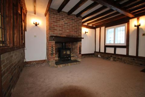 2 bedroom cottage to rent - Bearblock Cottages, Romford