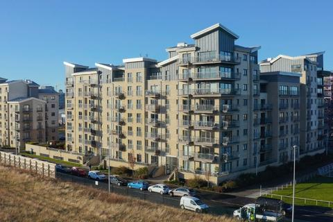 3 bedroom apartment for sale - Hesperus Broadway, Flat 21, Granton, Edinburgh, EH5 1FW