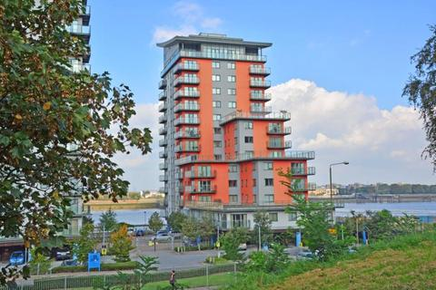 2 bedroom flat for sale - Mizzen Mast House, Mast Quay, Woolwich, London, SE18