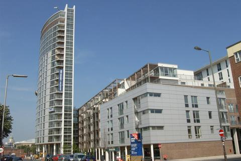 2 bedroom apartment to rent - Admiralty Tower, Queen Street, Portsmouth