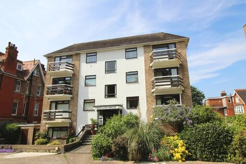 3 bedroom apartment to rent - Silverdale Road, Lower Meads, Eastbourne BN20