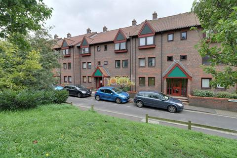 1 bedroom flat for sale - Cleve Court, Cumberland Place, BS8