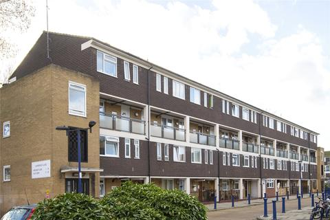 2 bedroom flat to rent - Lawrence Close, Bow, London, E3