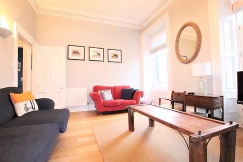 3 bedroom flat to rent - East Claremont Street, Broughton, Edinburgh, EH7 4JR