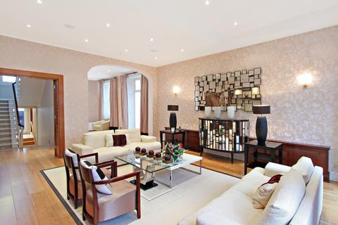 8 bedroom house to rent - Queensberry Place, London. SW7