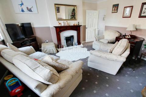 3 bedroom end of terrace house for sale - Byrley Road, Kimberworth Park