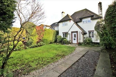 3 bedroom detached house to rent - Avebury Avenue, Bournemouth