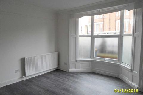 2 bedroom apartment to rent - Flat 1, 125 Monks Road, Lincoln